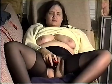Laura masturbates with vibrator while guys watch..