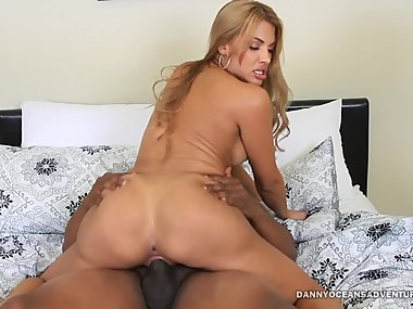DOCEAN - Mercedes Carrera Booty Call Creampie