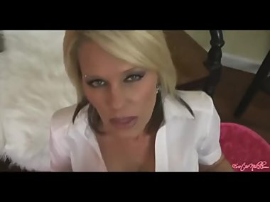 Nikki Ashton smoking facial 14