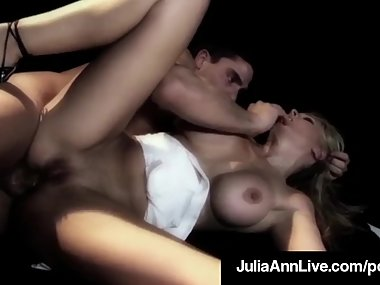 Hot Naked MIlf Julia Ann Does Anal Sex On A..