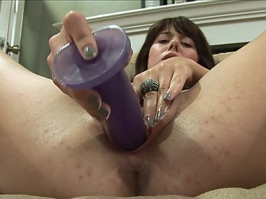 Mom Gets Soaking Wet From Dildo