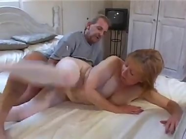 Mature UK amateurs fuck on camera