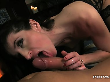 Ava Courcelles Is a Swinging Cougar Who Fucks Young Hung Guys