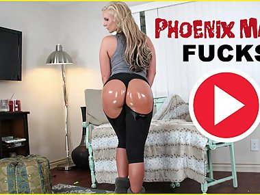 BANGBROS - MILF Phoenix Marie Gets Her Big Ass..