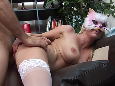 White skinned slut get wild spooning with pleasure