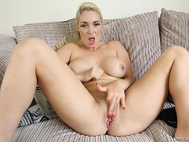 Victoria Summers - Make Up Wank