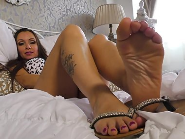 Mistress Angela Brags in German about Her Hot Callused Dirty Feet
