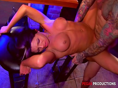 Hot Big Tits Milf Samantha Ardente Fucks a Doorman