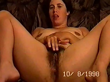 whore holly hariss fingering her hairy cunt