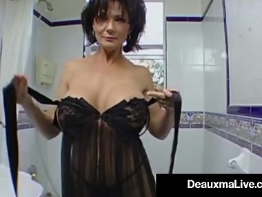 Stunning Fit Milf Deauxma Gets Ass Banged By..