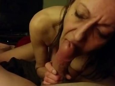 girlfriend sucking me
