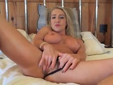 Sexy Hannah MILF spreads wide open and cums on..